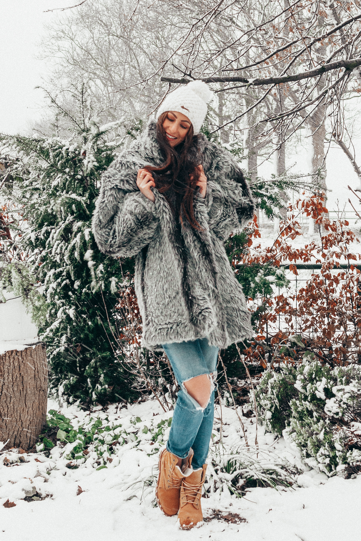 Snow Outfit fake fur coat