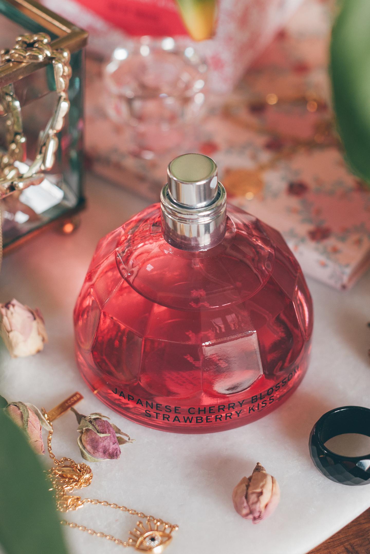 Japanese Cherry Blossom Strawberry Kiss Eau de Toilette The Body Shop