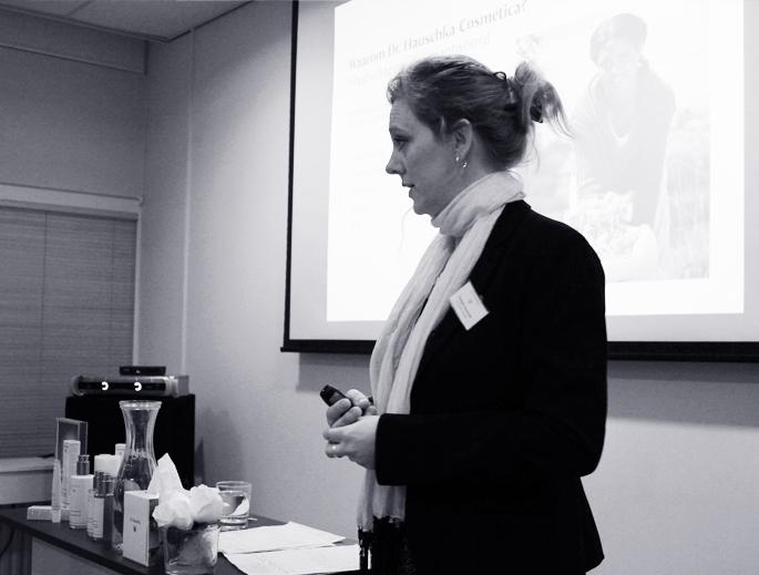 Dr. Hauschka bloggersevent, valentijnsworkshop, huidverzorging, reiniging, verzorgingsritueel, nacht, blogger, vlog,Monique Groeneveld, therapeute van 2014,