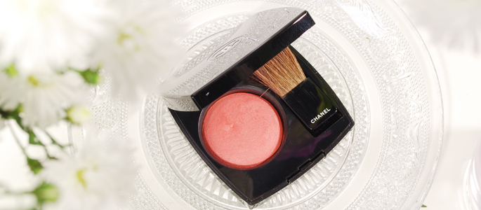 Beginnen met opmaken make-up beauty geheim basis basics begin bij een goede basis chanel blush malice 71