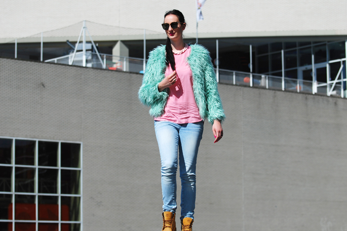 zwijnenburg mode outfit of the day OOTD inspiratie blogger lifestyle by linda Rotterdam pastel fluffy Vila Vero Moda G-Star Timerbland TOMS Berschka