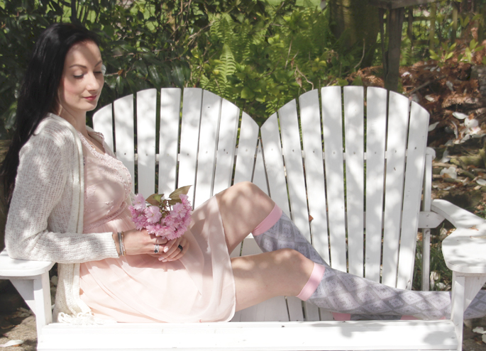 http://www.butik21.nl butik21 steunkousen lifestyle by linda pastel tinten kleuren vero moda p.i.u.r.e. fashion lover addict OOTD fashion shoot outfit of the day Everyday Chic bamboe steunkousen - grijs en roze