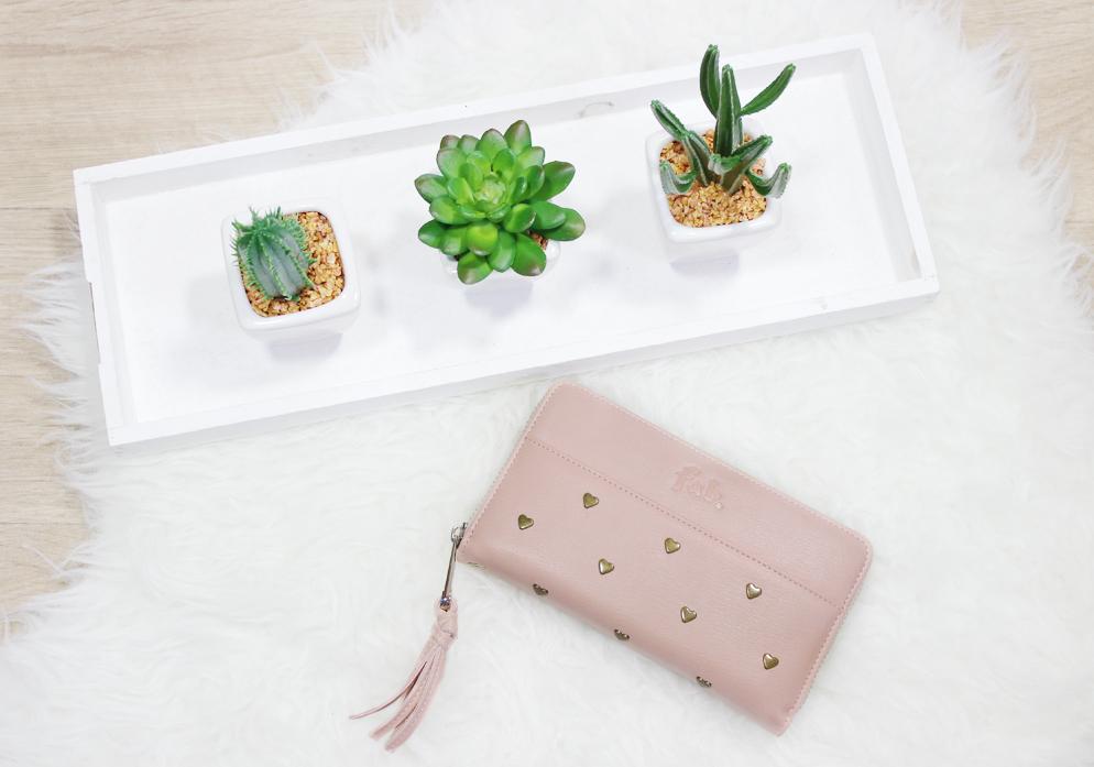 Fab. SB Supply portemonnee review roze studs vrouwelijk aanbieding aantrekkelijk roze feminine lifestyle by linda review zomer tasje telefoon