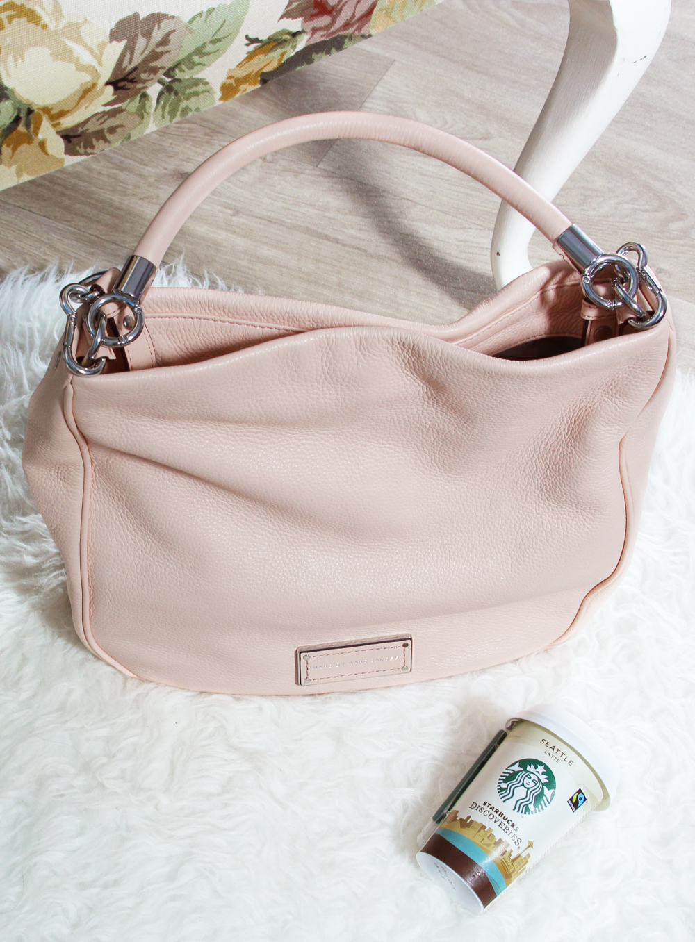 what's in my bag too hot to handle Hobo lifestyle by linda marc by marc jacobs work wear MbMJ