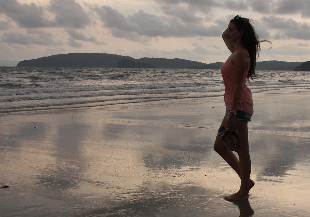 Birkenstock gezonde slippers goed voetbed vakantie krabi thailand Ao Nang Beach lifestyle by linda