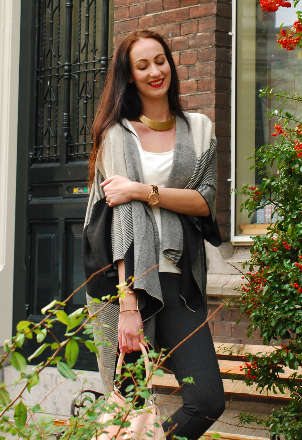 bloggers and brands Ruelle DLuxe Cozy Parisian Poncho outfit fashion OOTD outfit of the day
