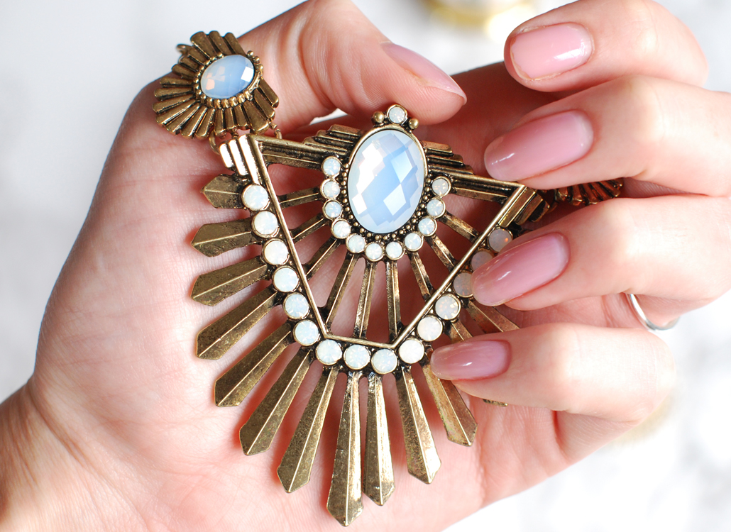 art Happiness Boutique statement necklaces lifestyle by linda vintage