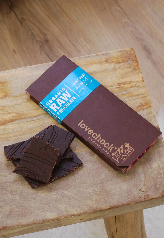 Lovechock happiness inside organic raw chocolate sweet nibs sea salt 86% cacao