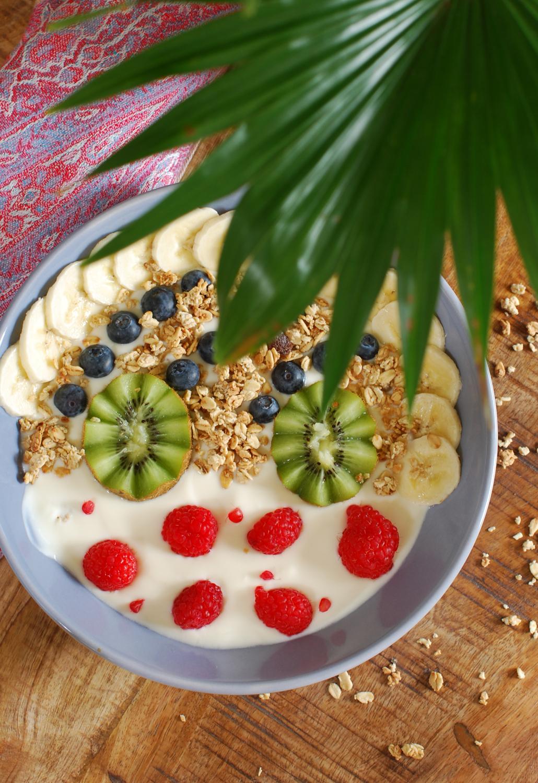 breakfast bowl fruit soya soja granola lifestyle by linda recept
