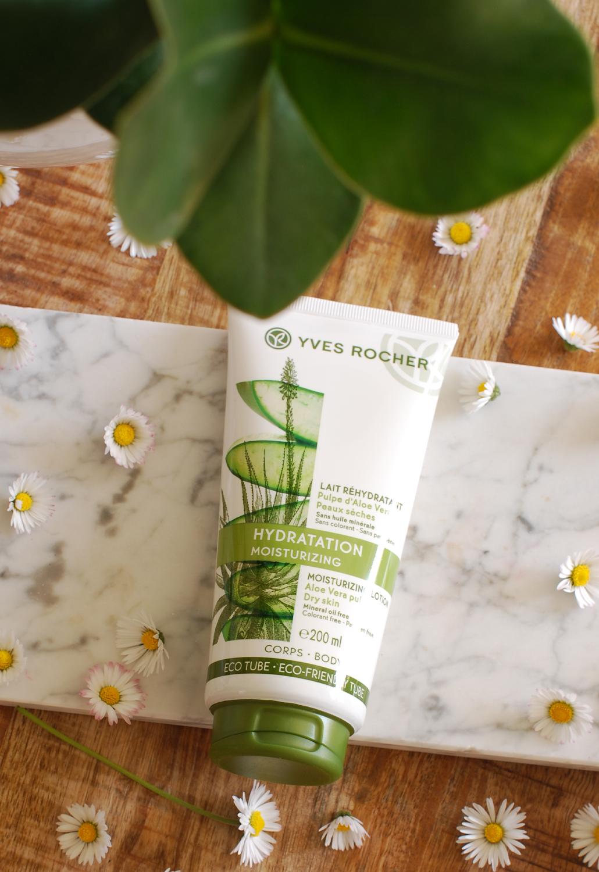Zomer benen met Yves Rocher hydratatie plantaardige cosmetica zomerse benen met yves rocher lifestyle by linda