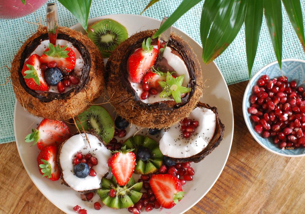coconut fruit bowl smoothie kokosnoot lifestyle by linda
