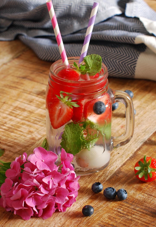 Lychee Munt Aardbei Water Recept detox lifestyle by linda food Lychee Fruitwater
