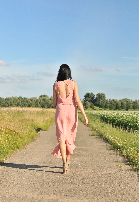 Selected Femme jurk dress lifestyle by linda van dalen