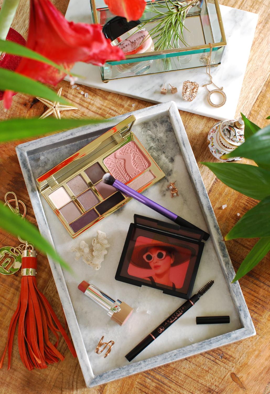 Overzicht dierproefvrije merken bij Sephora, make-up flatlay