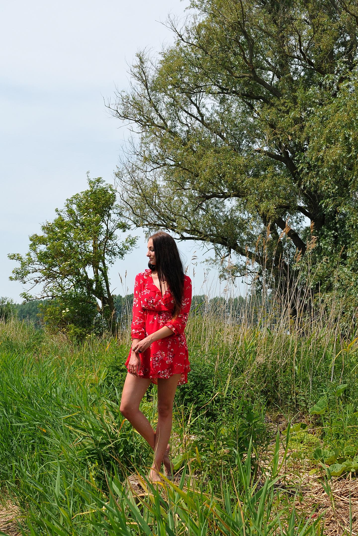 Barefoot Brunette H&M Conscious delilah cosmetics