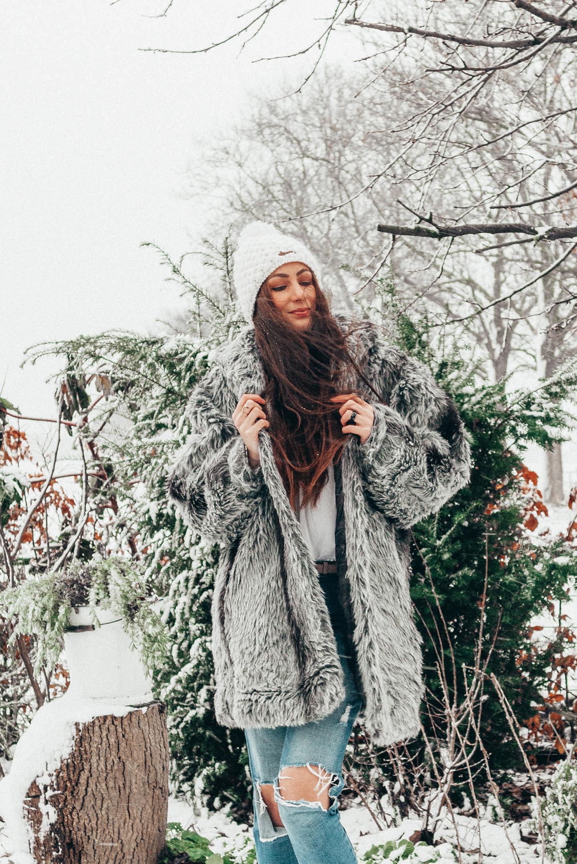 Winter outfit fake fur coat