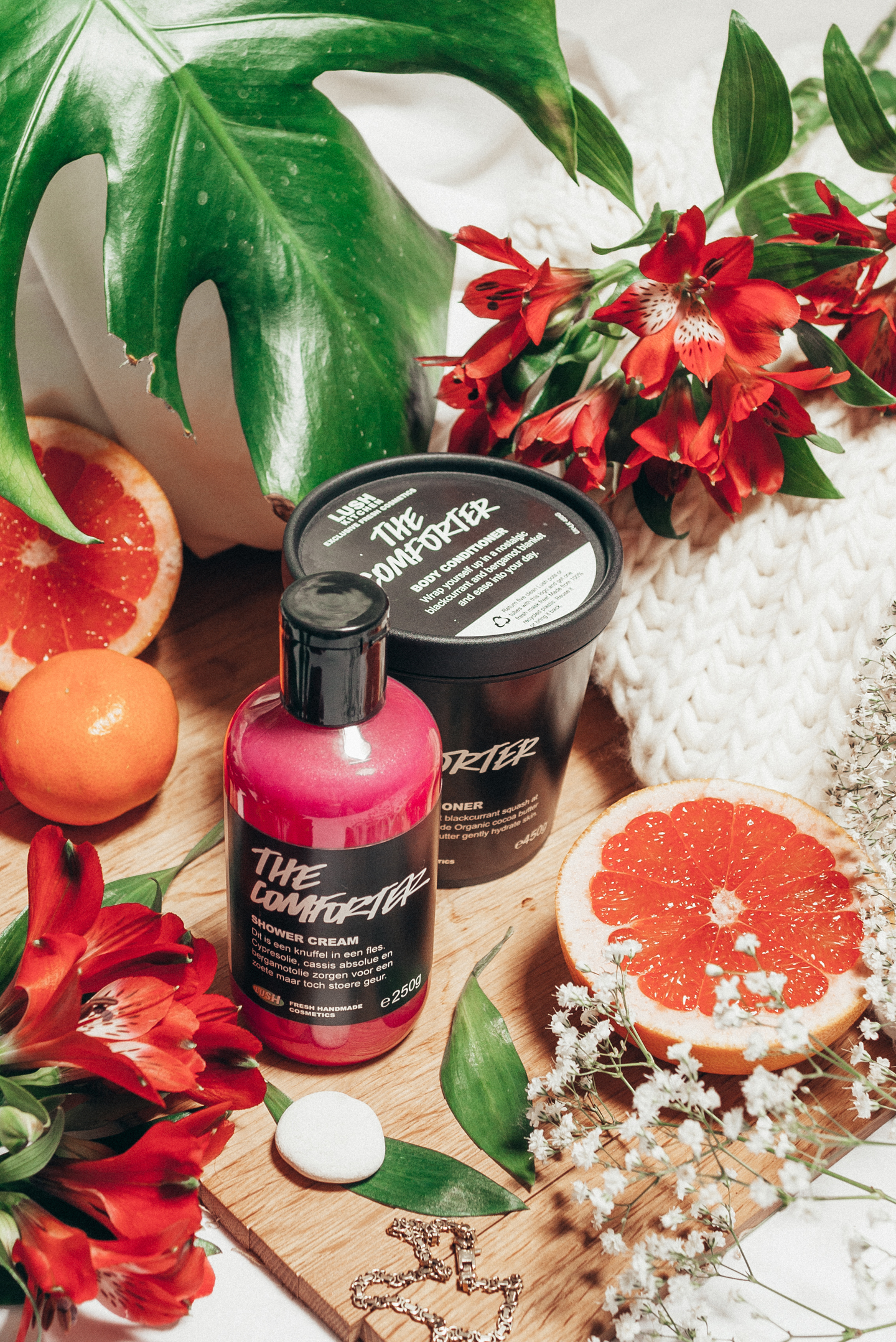 Lush The Comforter Shower Cream & Body Conditioner