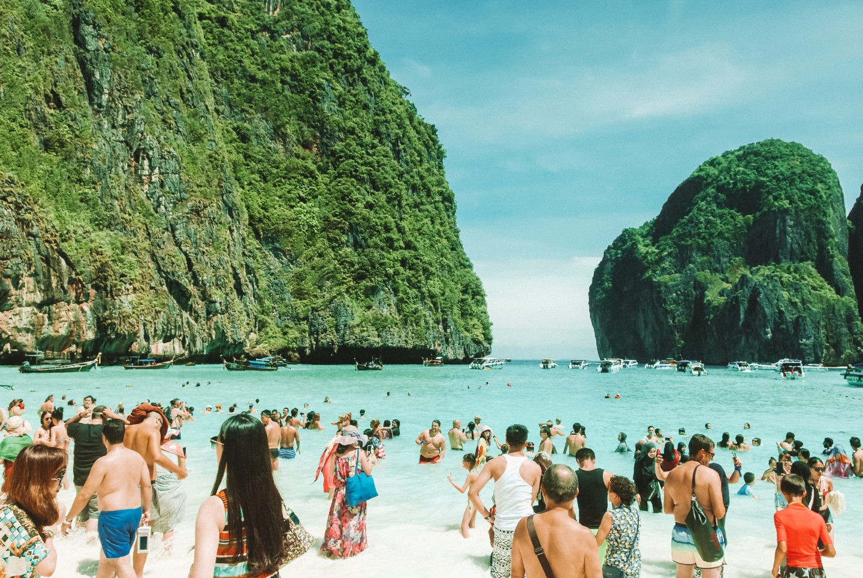 Overtoerisme vs. duurzaam toerisme Maya bay