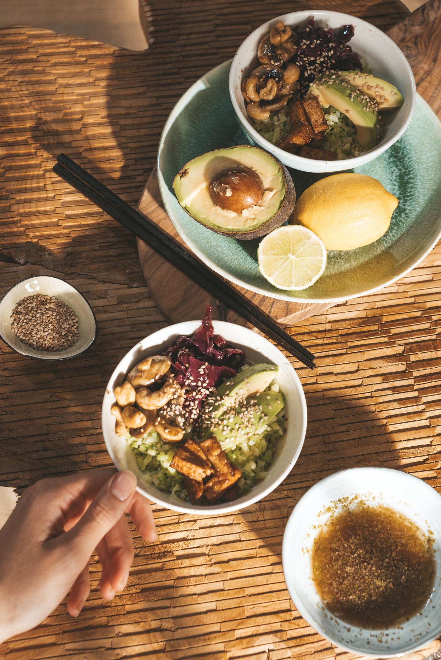 Aziatische vegan maaltijdsalade
