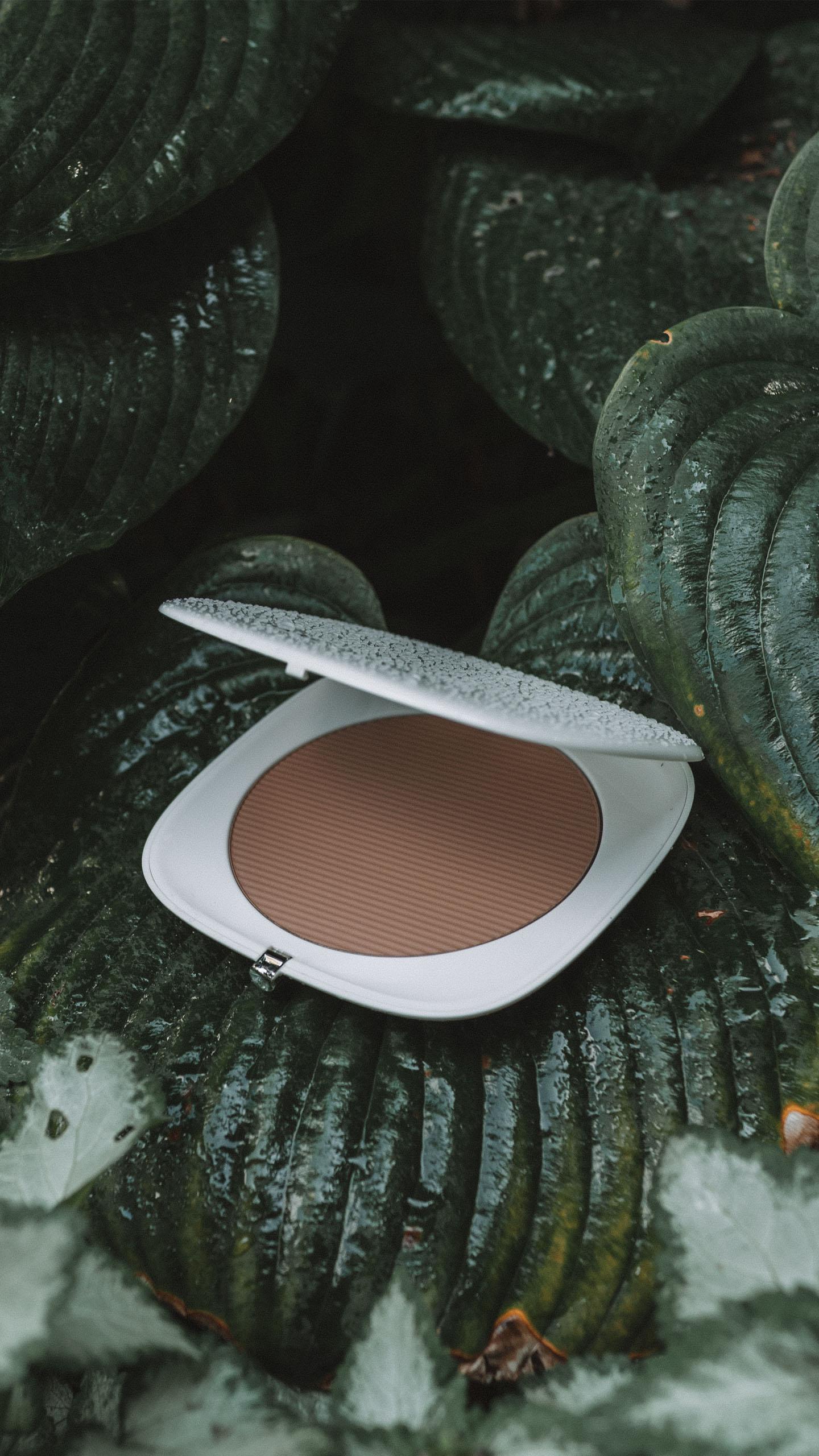 Marc Jacobs o!mega Coconut bronzer perfect tan 104 tan-tastic!